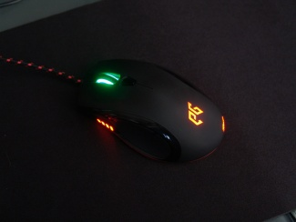 EPICGEAR Meduza Mouse and Pad