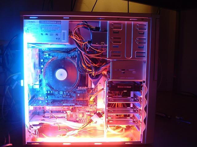 guts! dont mind the wires cuz jus build today!