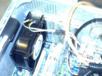 this fan is 115v AC also and keeps the 6000gt temps 43 and 54 load