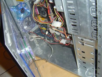 Ewww Wires.... I have much better cable management skills than this.. (Old Picture)