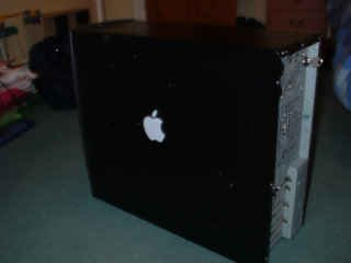 Just a little touch to the cas with the apple sticker tht camew with my iPod Mini:D.