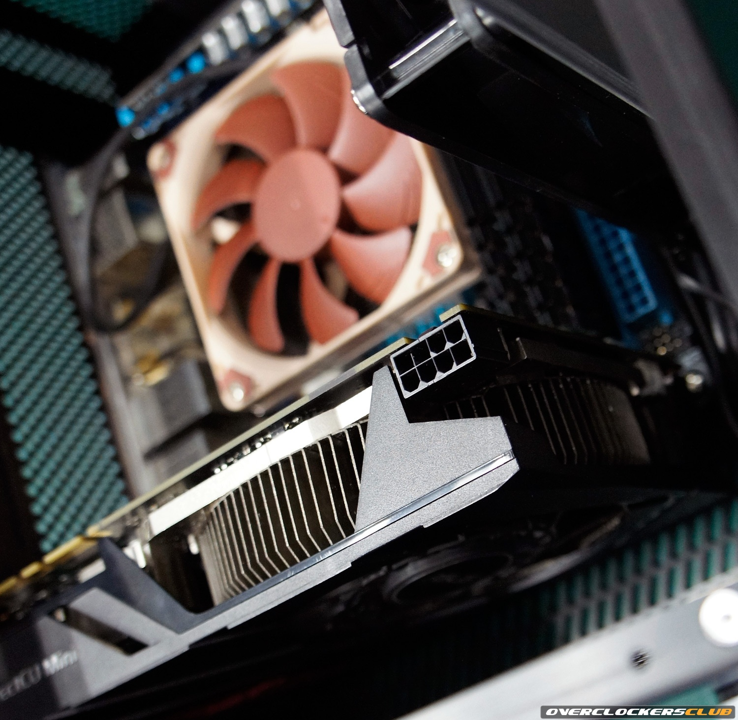 ASUS GTX 670 DirectCU Mini: Small but Powerful